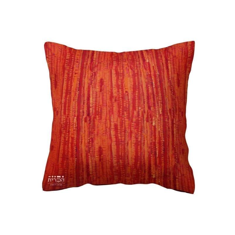 כרית אדומה בשילוב טקסטורת פסים