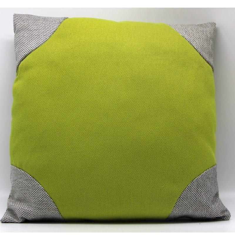 כרית ירוקה עם פינות אפורות